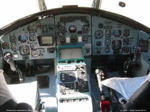 MIL_26_T_poste_pilotage.jpg (117159 octets)